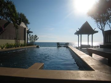 Sea, white sand, and sunset. Dream Villa with private pool and perfect location.