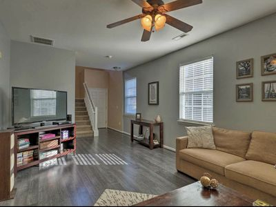 Photo for Charleston area townhome, 10 min to downtown/beaches Sleeps 6