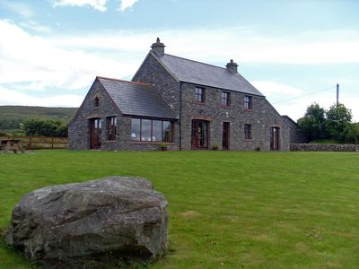 Photo for Beautiful Holiday Cottage 3 beds with private access to Dunmanus Bay