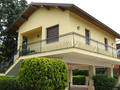 Photo for Villa in exclusive area surrounded by nature and a few steps from the sea