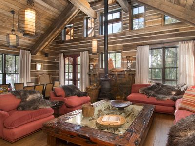 Sophisticated Mountain Sanctuary with incredible views