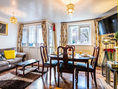 Photo for Hidden Gem Sheffield Central Luxurious and Spacious House
