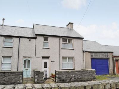 Photo for 2 bedroom property in Blaenau Ffestiniog. Pet friendly.