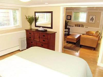 Manor Suite off Rockland modern and spacious.