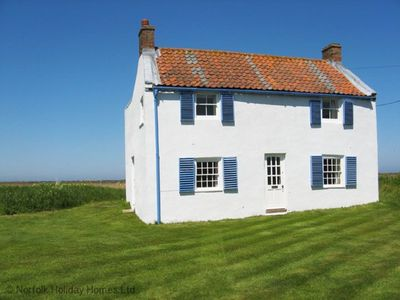 Photo for Island House - Four Bedroom House, Sleeps 6