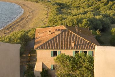 The villa seen from above.