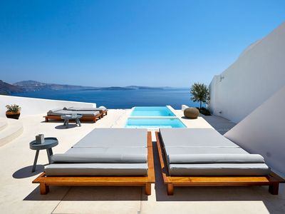 Photo for Villa with Private Pool-Caldera View-Outdoor Hot Tub - Breakfast Ink