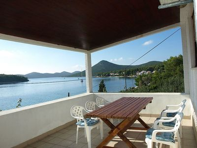 Photo for Apartment in the center of Brgulje with Parking, Air conditioning, Terrace (113461)