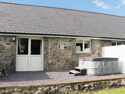 Photo for 2 bedroom accommodation in near Llandeilo