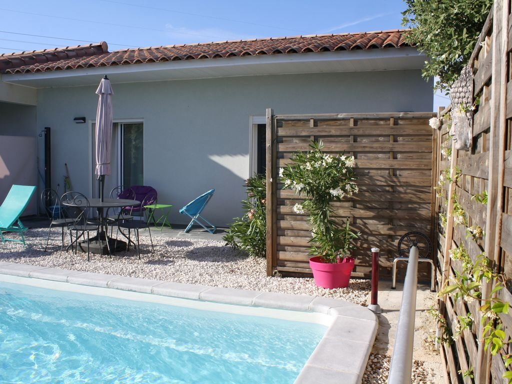 APPART MODERNE 2 P + Access swimming pool, near Montpellier ...