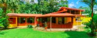 Hidden and peaceful with easy access to La Fortuna and Volcano Arenal.