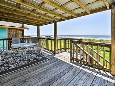 Galveston Beach House w/ Private Deck & Gulf Views