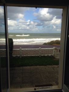 Photo for F2 + GARDEN - 4/5 PEOPLE, FACING AND DIRECT ACCESS TO THE SEA (week and W-End)