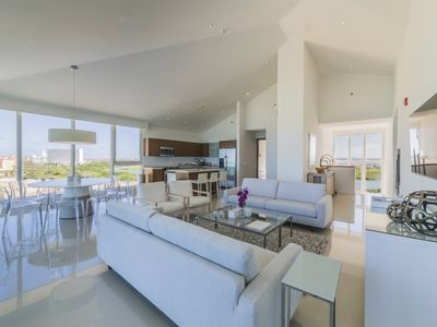 Photo for Memories made in this Oceanfront Condo will last a lifetime. Condo for 10. Blue-PH2-1
