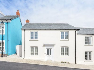 Photo for Fabulous colourful modern dog friendly cottage close to Newquay town centre, Pentire and Fistral Bea