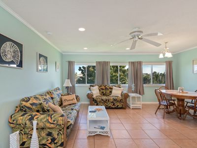 Photo for 2 Bedroom Condo close to the beach & located in the heart of Destin.