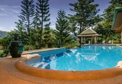 Mountain View Villa One - Huge 17m pool with sunset views to Mountains .