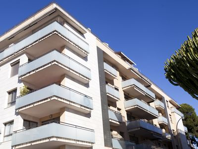 Photo for Quality 2bdrm - Puerto Marina - w / * WiFi * Pool * Indoor Parking *