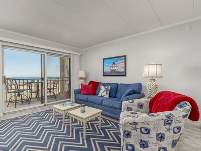 Photo for Well maintained 1 BR, 1.5 BA oceanfront condo. Enjoy the beautiful ocean views from your balcony and inside the unit.