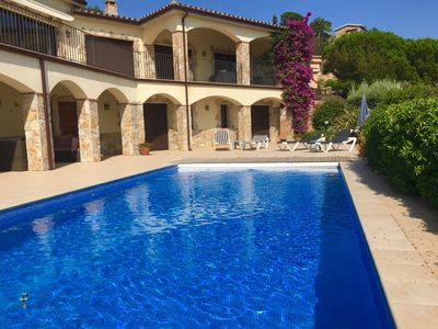 Photo for Luxurious villa with spectaculair views