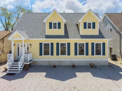 Photo for Waterfront 4 Bedroom 2 Bathroom Cape