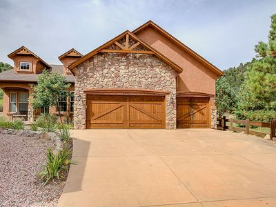 Photo for BEAUTIFUL HOME WITH PRIVACY AND TRANQUILITY!