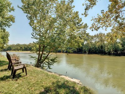 Photo for Rivers Edge Open Space 4 Bedroom with Walk to Water River Access, Paradise Found