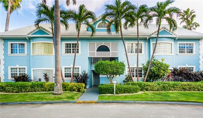 Photo for Britannia Villas 724: 4 BR / 4.5 BA condo in Seven Mile Beach, Sleeps 10