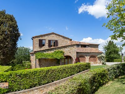 Photo for Beautiful farmhouse located between  Sienna & Florence near Chianti area