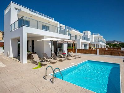 Villa White Moonflower - Perfect location in the heart of Coral Bay- Wi-Fi & A/C