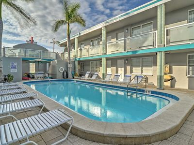 Photo for Clearwater Beach Art Deco Studio w/Pool Near Coast
