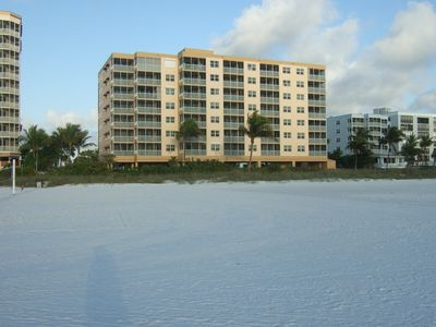 Photo for Ft MYERS BEACH FRONT  NORTH END 2 BEDROOM 2 FULL BATH DIRECT ON THE GULF
