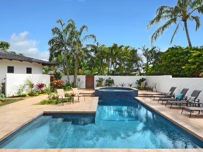 Photo for Kapiolani Villa:  Ocean Views and Private Pool with AC!