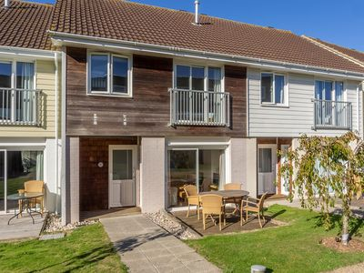 Photo for Spacious, two-storey holiday home with a large open plan living space