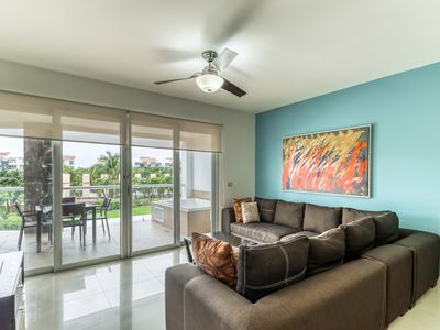 Photo for Elegant condo w/ shared pool and amenities, private beach access!