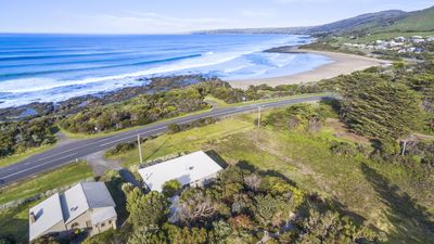 Photo for Great Ocean Road Lodge - renovated beach house walk to the beach
