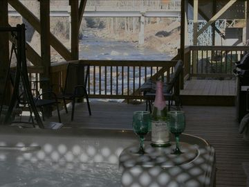 6 Per Hot Tub,F/Place,16x40 Covered Deck,10ft from River Water