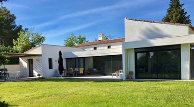 Photo for Modern house with swimming Pool (La Buissonne)