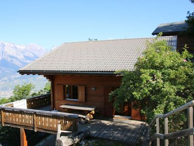 Photo for 3*, 5-bedroom-chalet for 10-12 people, located 750m from the ski slopes in a quiet and sunny locatio