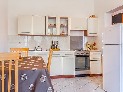 Photo for Apartment LAKI in Pula - 5 persons, 2 bedrooms