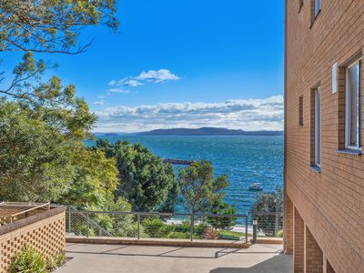 Photo for Close to town and the beach, waterviews, air conditioning and wifi too.