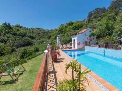 Photo for Holiday cottage with shared pool in Fontanales