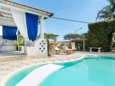 Photo for Mediterranean Villa with Wi-Fi, Air Conditioning and Pool