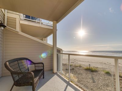 Photo for Oceanfront townhouse with 3 decks, Twin Rocks views, & fireplace - dogs welcome!