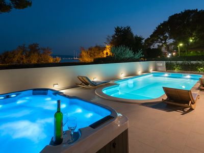 Photo for Luxury apartment with private pool and Jacuzzi