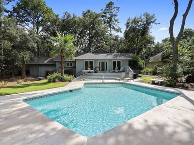 Photo for An alluring 3 bedroom, 3 bath home in Palmetto Dunes! Pets welcome!