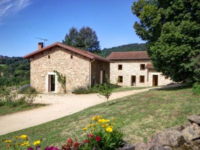 Photo for Gite LES SALLES, 5 bedrooms, 10 persons