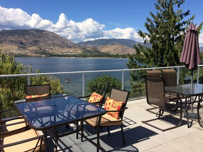 Photo for Perfect family vacation home with 100 feet of private lakefront