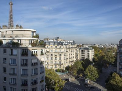 Photo for Great View Eiffel tower - 2/3 bedrooms - Secure building- close rue Cler