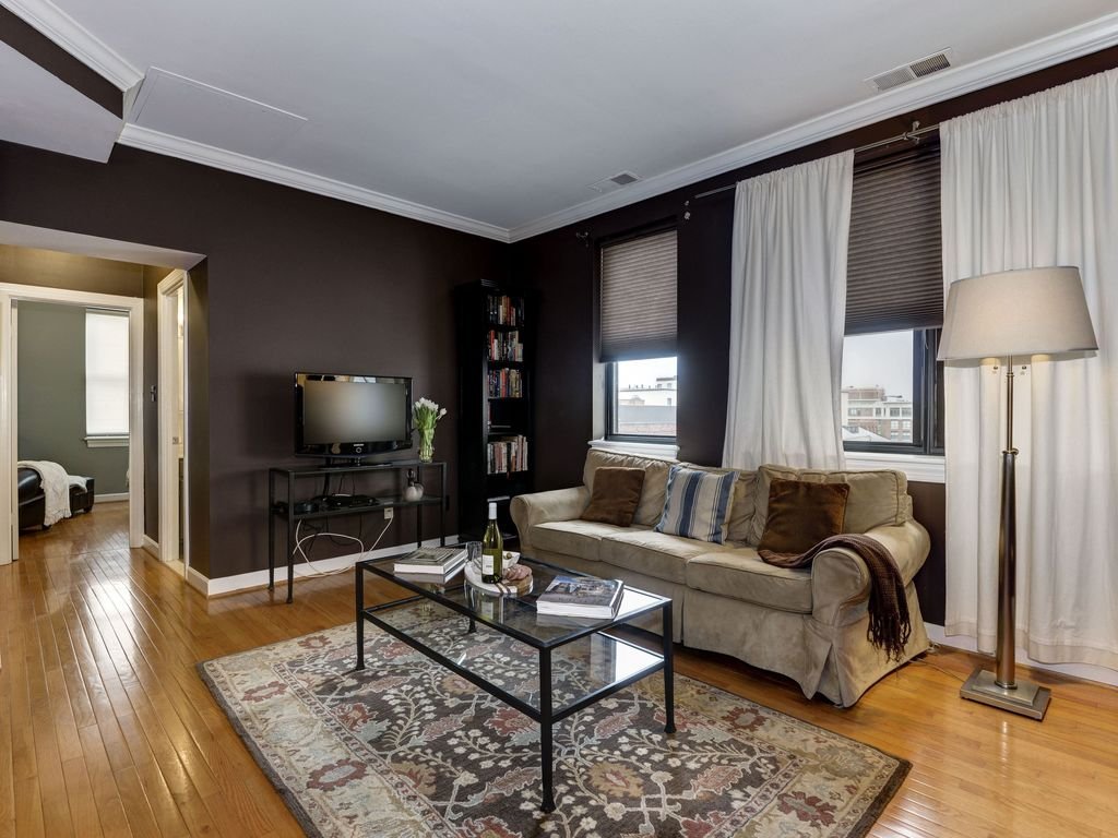 Renovated Condo in the Heart of DuPont Circle- 2 blks to Metro